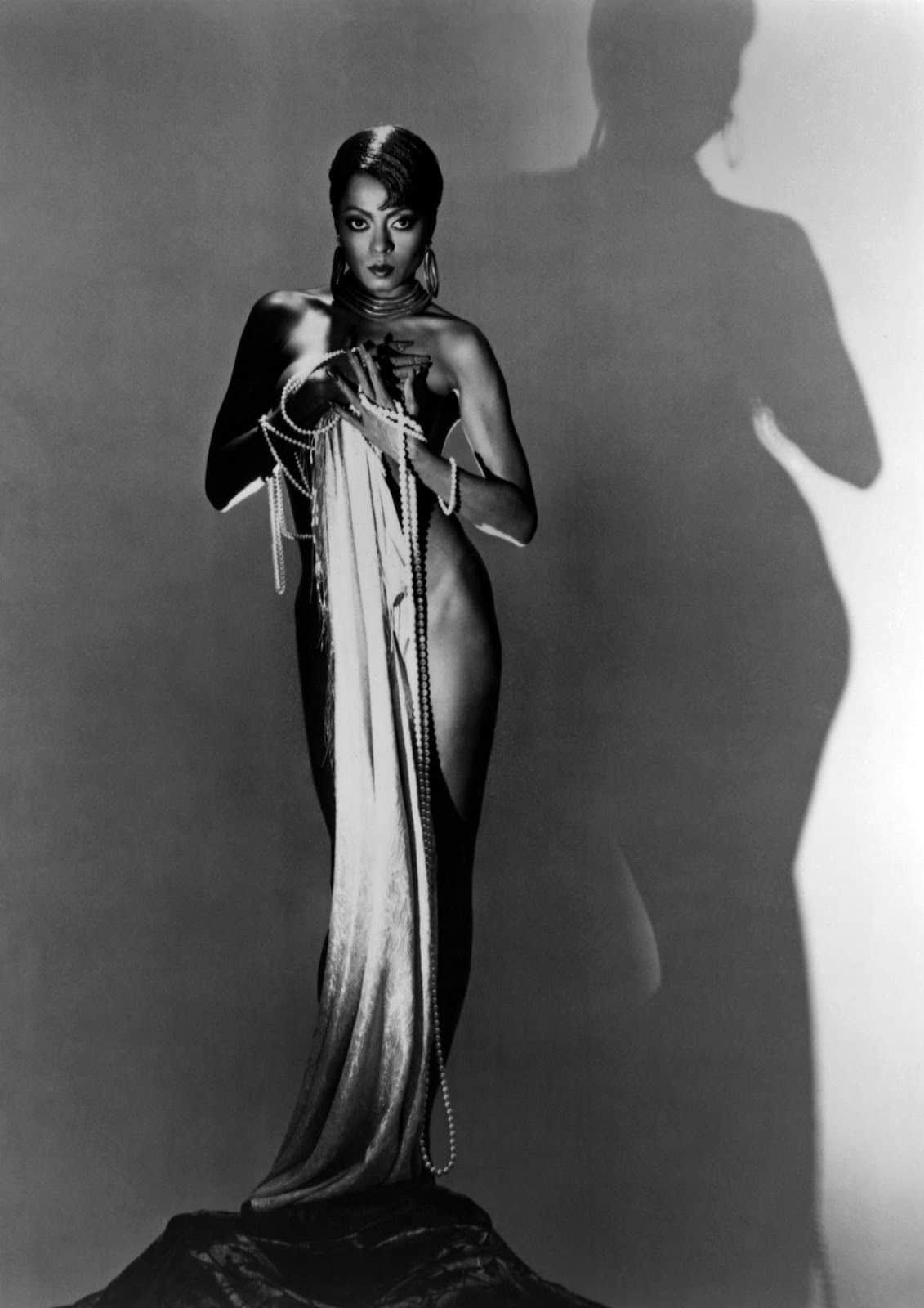 Beyoncé, Zendaya, Rihanna and more: How Josephine Baker Influenced Fashion 17