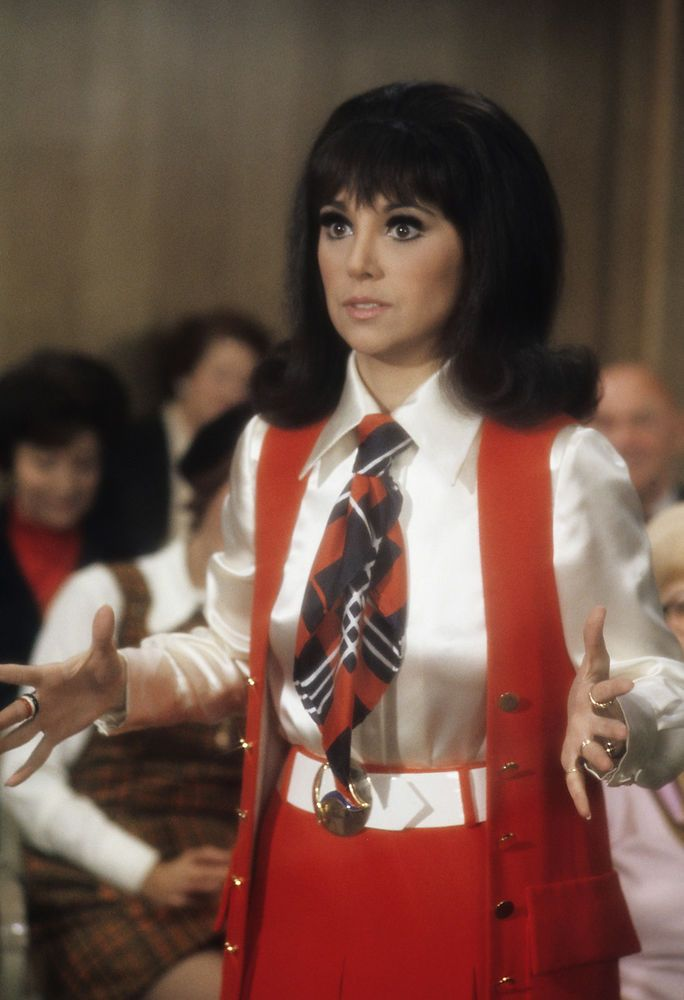 Who's That Girl? How Actress Marlo Thomas & Designer Marilyn Lewis Influenced Fashion 10