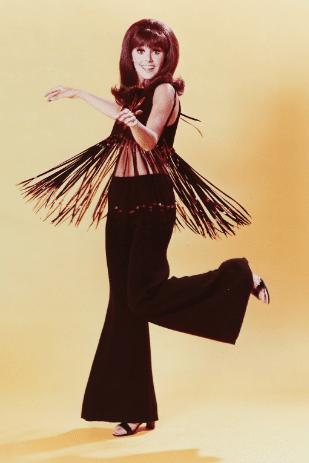 Who's That Girl? How Actress Marlo Thomas & Designer Marilyn Lewis Influenced Fashion 14