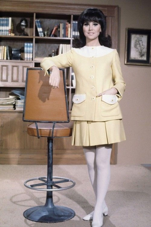 Who's That Girl? How Actress Marlo Thomas & Designer Marilyn Lewis Influenced Fashion 5